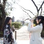 栗田恵美が転校少女歌撃団メンバーを撮影